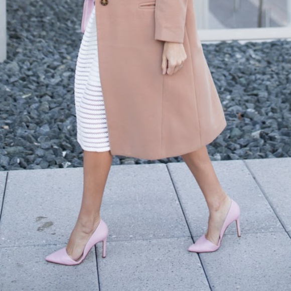 Banana Republic Shoes - Banana Republic pink heels